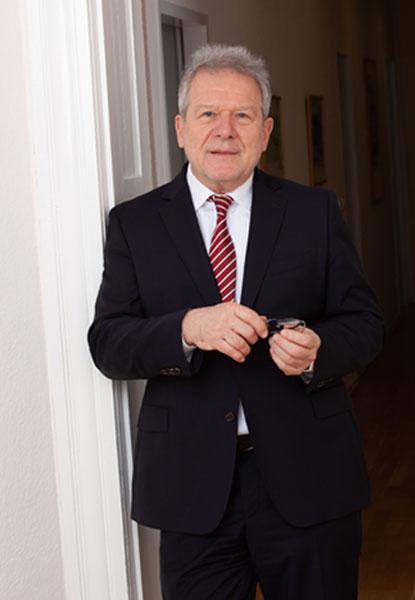 Prof. Dr. Roland Fritz, M. A.