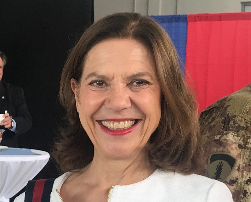 Dies ist Elisabeth Fritz in ihrer Rolle als Mediatorin und Coach.