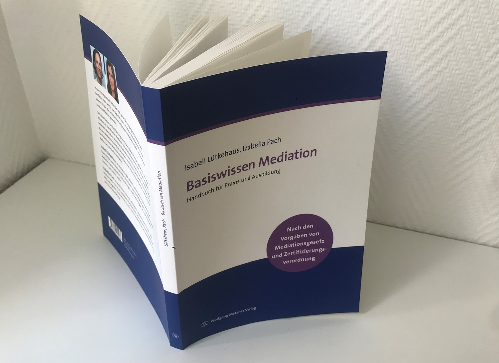 Isabell Lütkehaus / Izabella Pach: Basiswissen Mediation